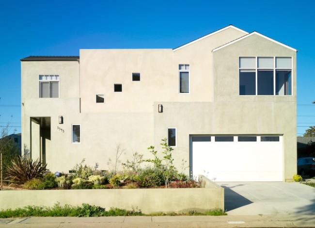 simplicity, cutom exterior, stucco material, modulated exterior, Mar Vista